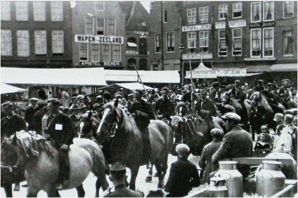Het_Wapen_van_Zeeland_Markt_Middelburg_ca._1934